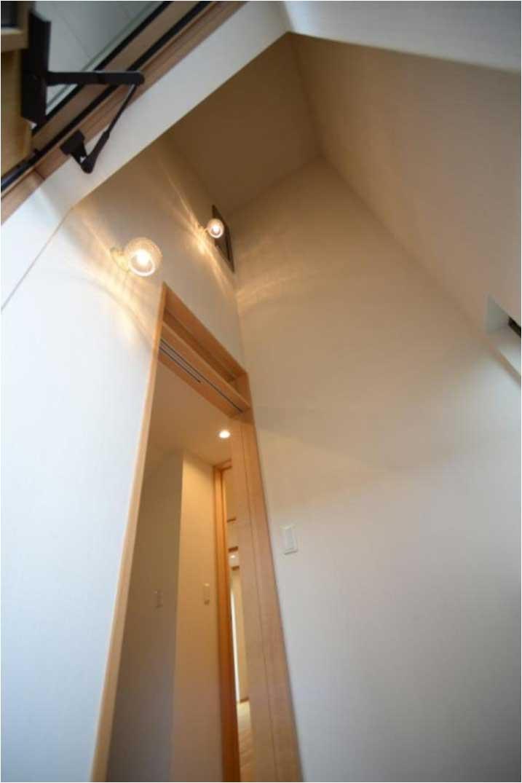 将来エレベーターが付けれるよう吹抜けとなっている玄関